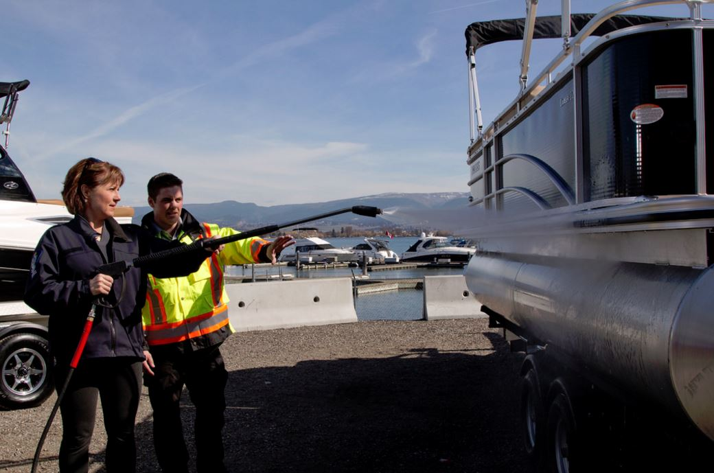 New Zebra/Quagga Mussel Inspection Stations For BC's Border for 2016 Boating Season